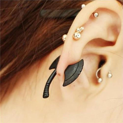 BLACK AXE EAR STUD