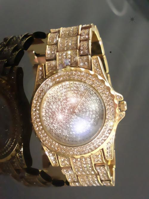 LADIES HIGH FASHION DRESS WATCH