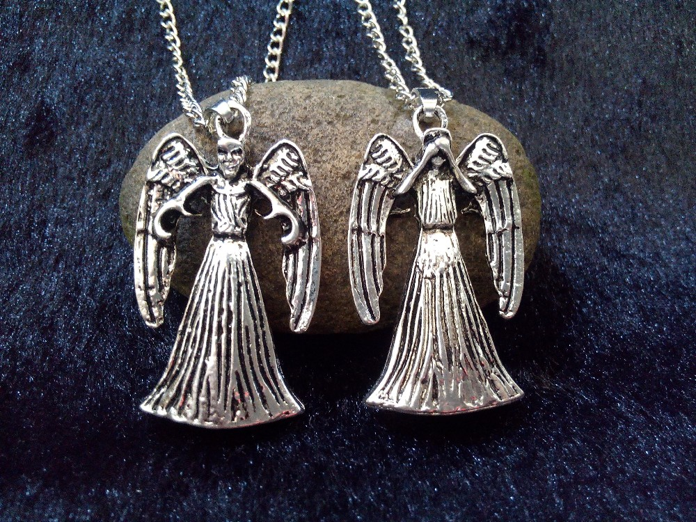 WEEPING ANGEL 3D NECKLACE