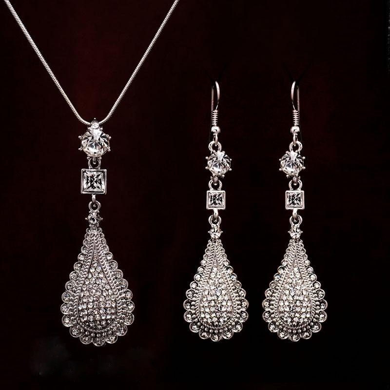 TEARDROP CRYSTAL PENDANT SET