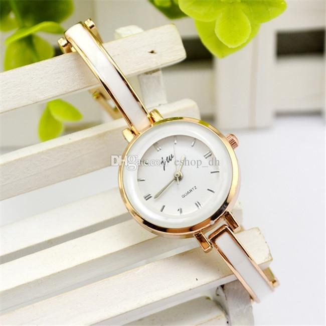 ELEGANT PRINCESS WATCH - GOLD COLOR