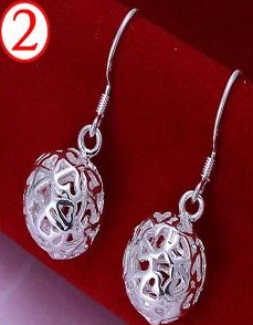 SILVER COLOR ROUND HEART DESIGN EARRINGS