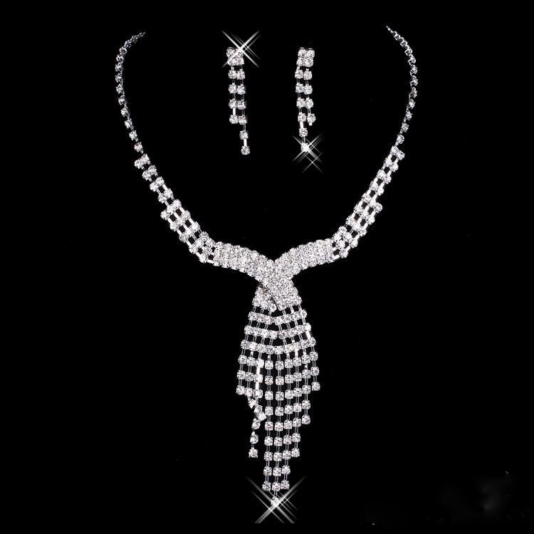 CRYSTAL TIE DESIGN NECKLACE SET